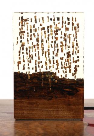 Lampa din rasina epoxidica cu lemn de maslin [1]