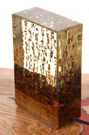 Lampa din rasina epoxidica cu lemn de maslin [0]