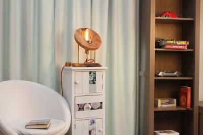 Lampa din lemn de maslin [1]