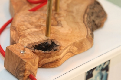 Lampa din lemn de maslin [5]