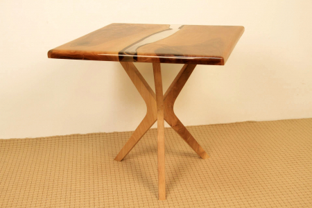 Masa de cafea din lemn de nuc cu rasina transparenta [1]