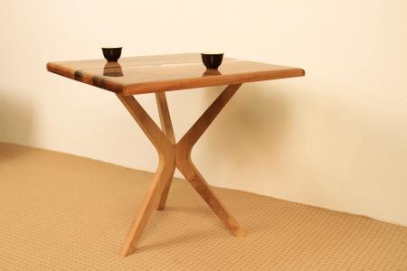 Masa de cafea din lemn de nuc cu rasina transparenta [7]