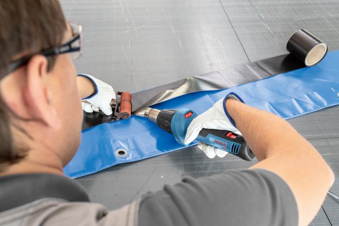 Pistol  cu aer cald Bosch GHG 20-60, 2000 W, 500 l min, 630 grade [1]