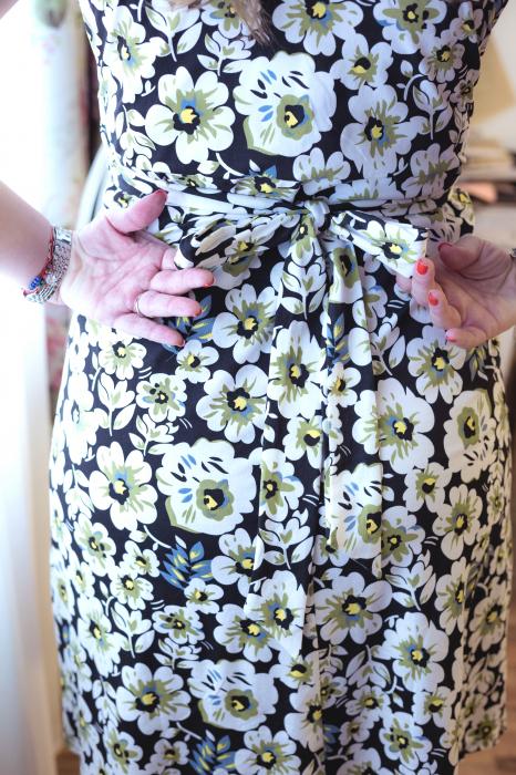 Daisy Garden - Rochie inflorata de zi pentru Sarcina & Alaptare 3