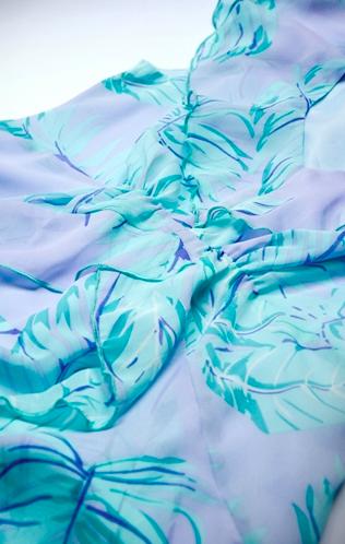 exotic-palm-rochie-eleganta-gravida-textura-subtire-si-matasoasa 4