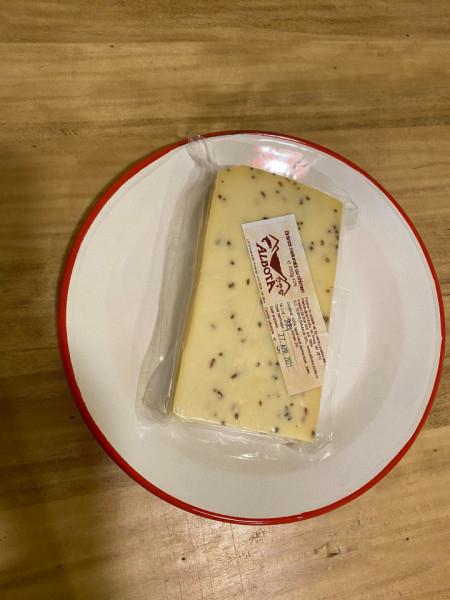Brânză maturată cu chimen 350 gr [1]