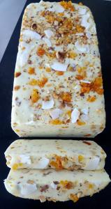 Ciocolată de casă albă cu nuci prăjite și caise 100 gr [1]