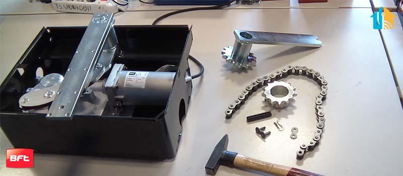 Kit extensie deschidere poarta pana la 180°, BFT, E180, pentru motoarele ELI BT, ELI AC   I-Systems