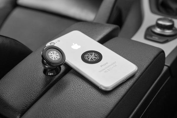 Suport magnetic pentru telefon pe bordul masinii [9]