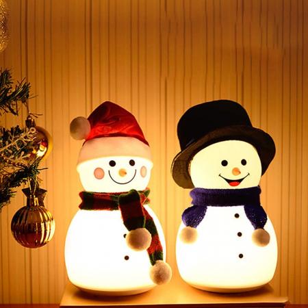 Lampa de veghe pentru copii, portabila, silicon BPA-free, 7 culori de LEDuri, reincarcabila USB, touch control, Om de Zapada cu palarie [1]