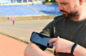 Set 2 unitati Husa Banderola pentru brat / mana cu 360° rotire si cu acces usor la ecran, pentru alergat, sala, bicicleta, drumetii, Negru [4]