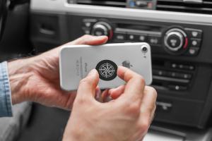 Suport magnetic pentru telefon pe bordul masinii [7]
