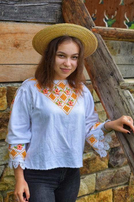 Ie traditionala Ioana [3]
