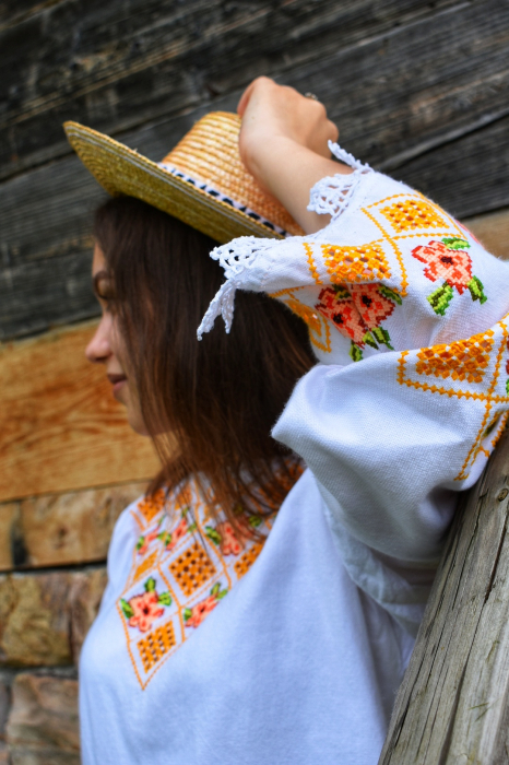 Ie traditionala Ioana [1]