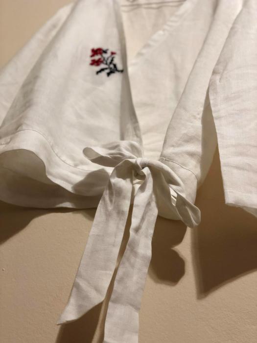Bluza de in organic brodata manual in sate din Maramures [2]