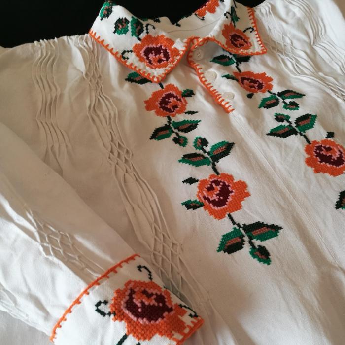 camasa traditionala barbati motiv rosu [0]