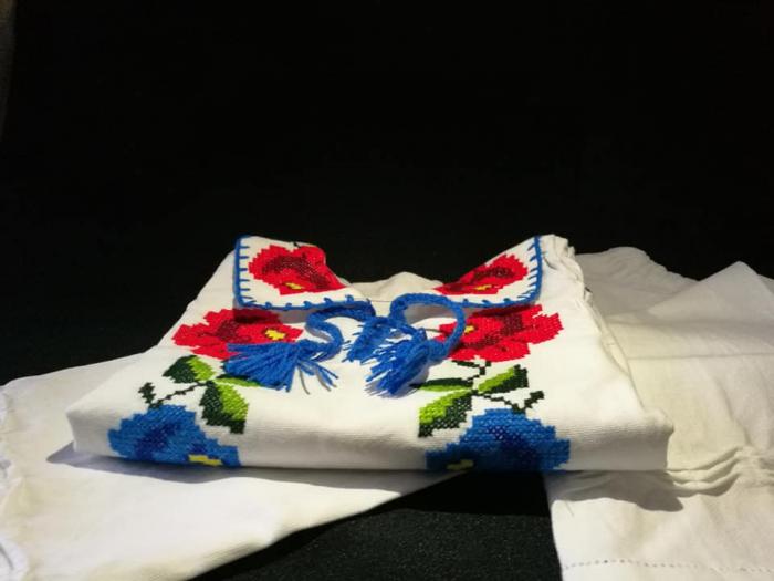 costum traditional romanesc baieti [2]