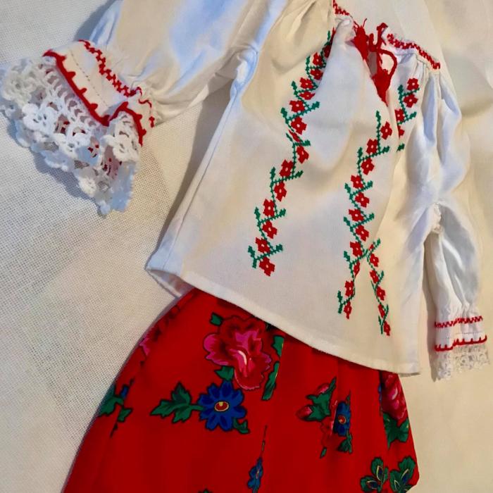 costum traditional fetita [0]