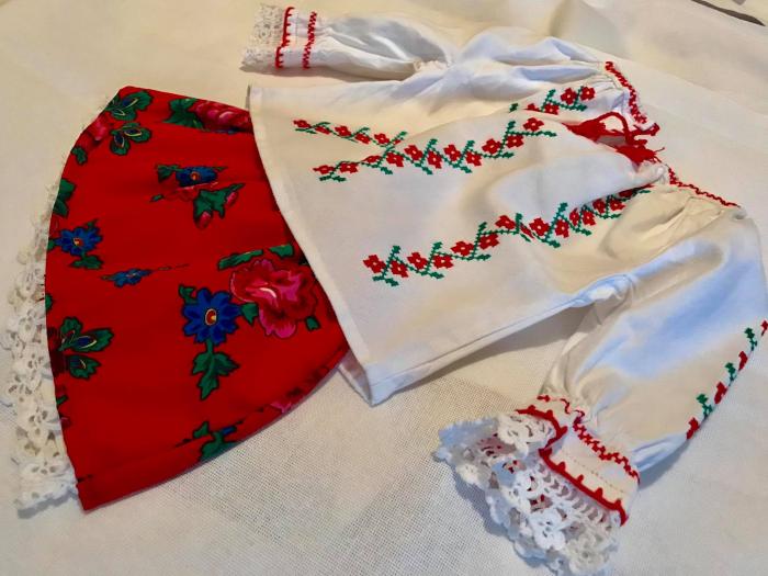 costum traditional fetita [2]