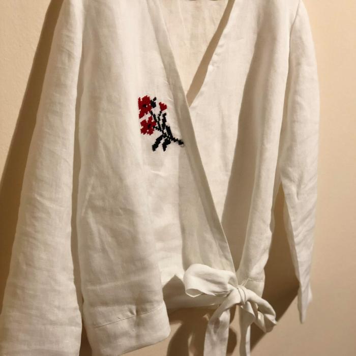 Bluza de in organic brodata manual in sate din Maramures [0]