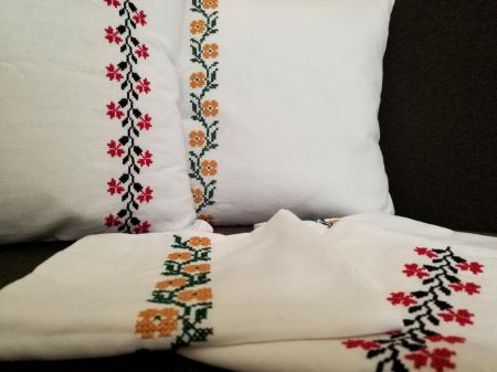 fete de perna traditionale romanesti [1]