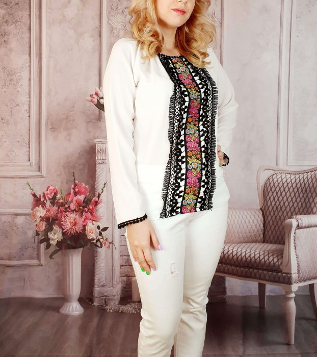 Bluza stilizata cu motive traditionale [0]
