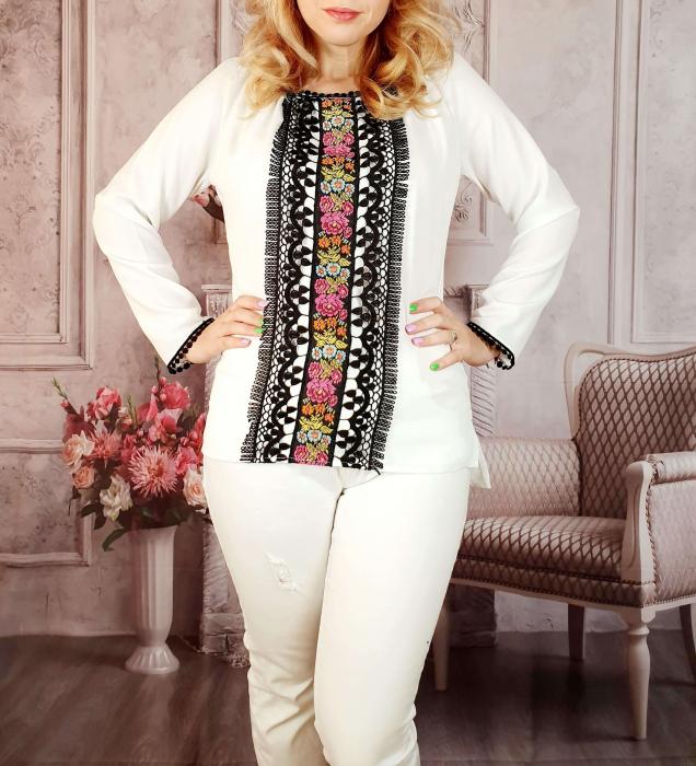 Bluza stilizata cu motive traditionale [1]
