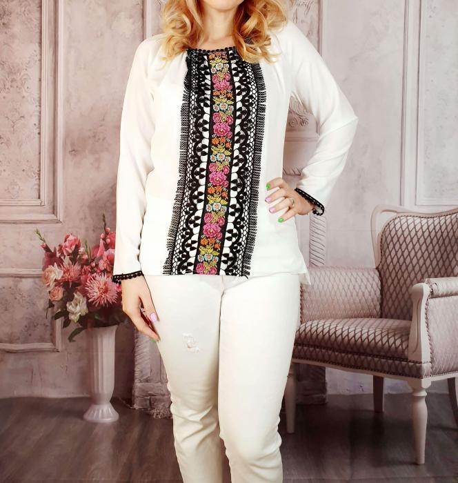 Bluza stilizata cu motive traditionale [2]