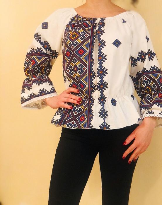 Bluza stilizata cu motive traditionale Daniela 3 [0]