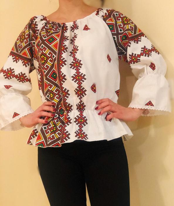 Bluza stilizata cu motive traditionale Daniela 4 [1]