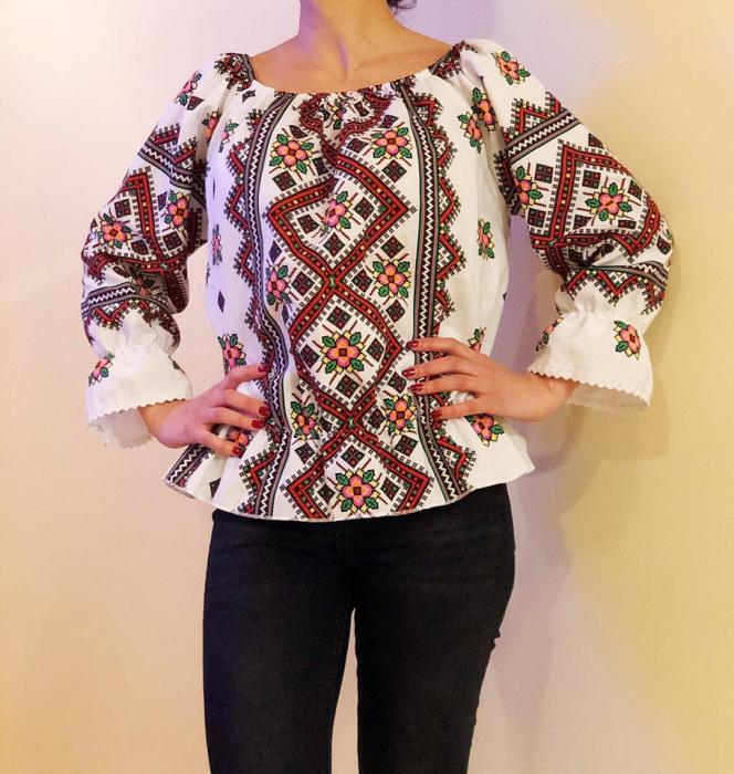 Bluza stilizata cu motive traditionale Daniela 6 [1]
