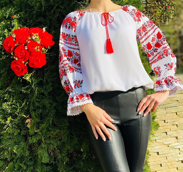Bluza stilizata cu motive traditionale Margareta [1]