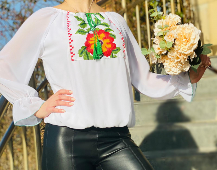 Bluza stilizata cu motive traditionale Maria [0]