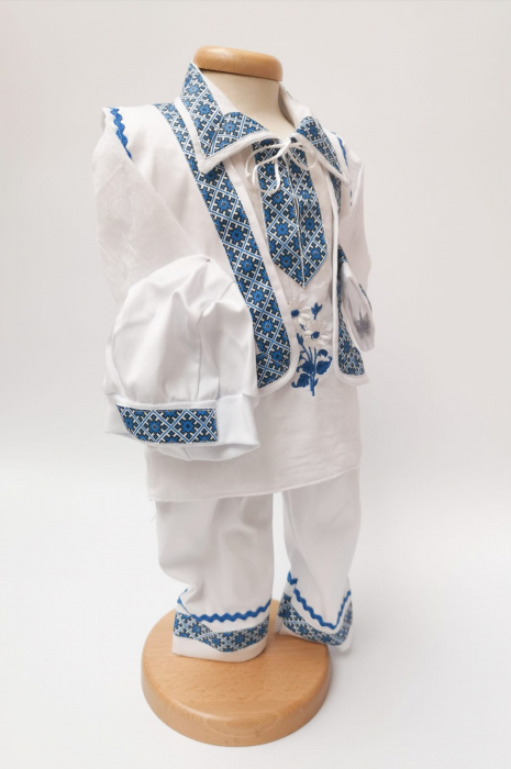 Costum National pentru baieti Raul 4 [1]