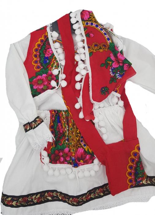 Costum popular fetite Maria format din 5 piese ( 1 ani si 8 ani ) [3]