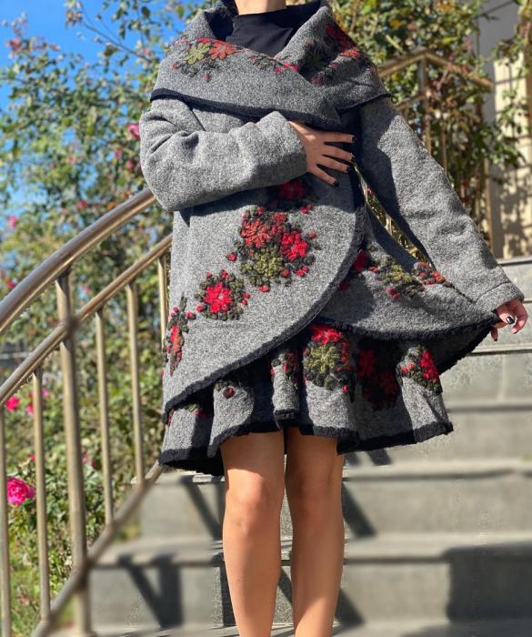 Costum din lana Anisoara 5 [2]