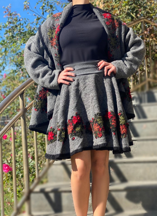 Costum din lana Anisoara 5 [1]