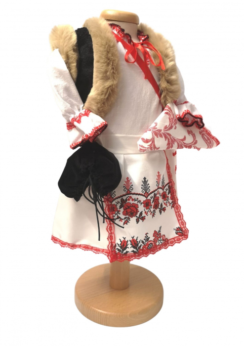 Costum Traditional Fetite Miriam [2]