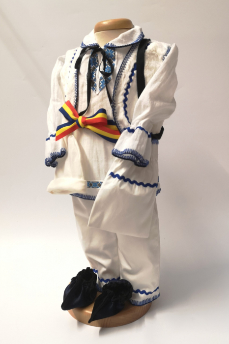 Costum National Victoras 7 [4]