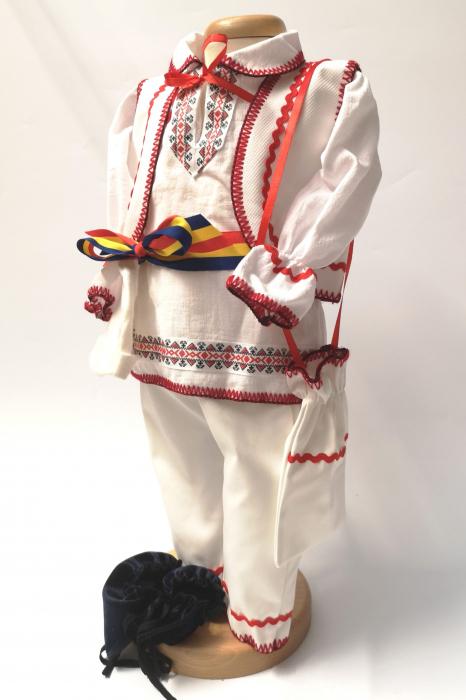 Costum National Victoras 6 [2]