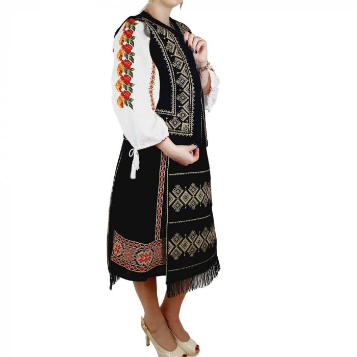 Costum Popular cu broderie traditionala Toni [1]