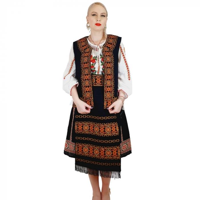 Costum Popular cu broderie traditionala Valentina [1]