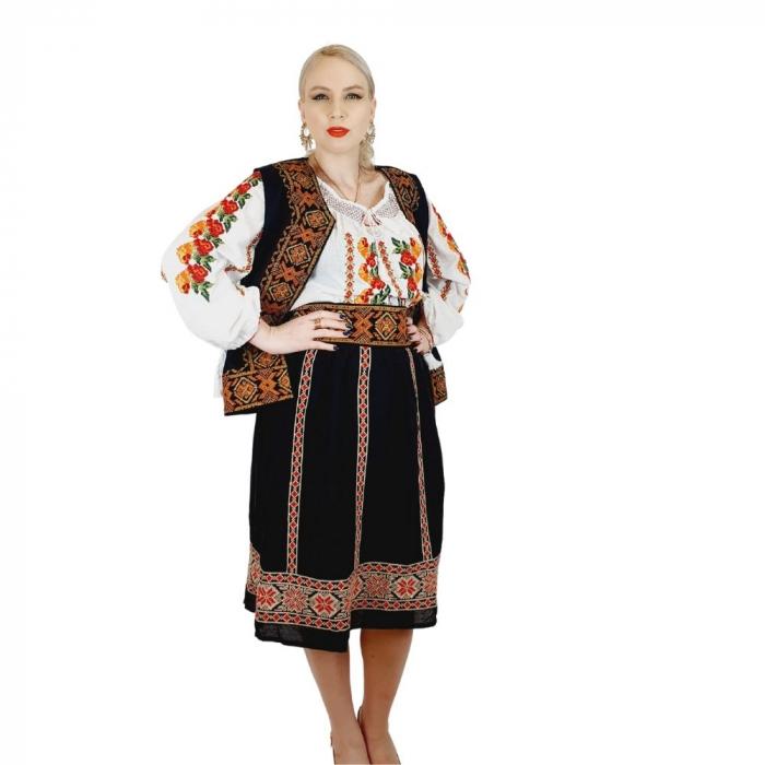 Costum Popular cu broderie traditionala Valentina [5]