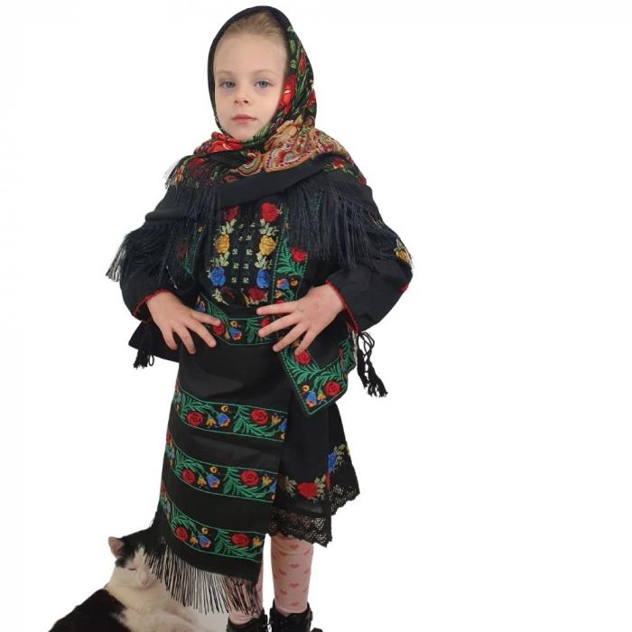 Costum traditional fetite Mira 2