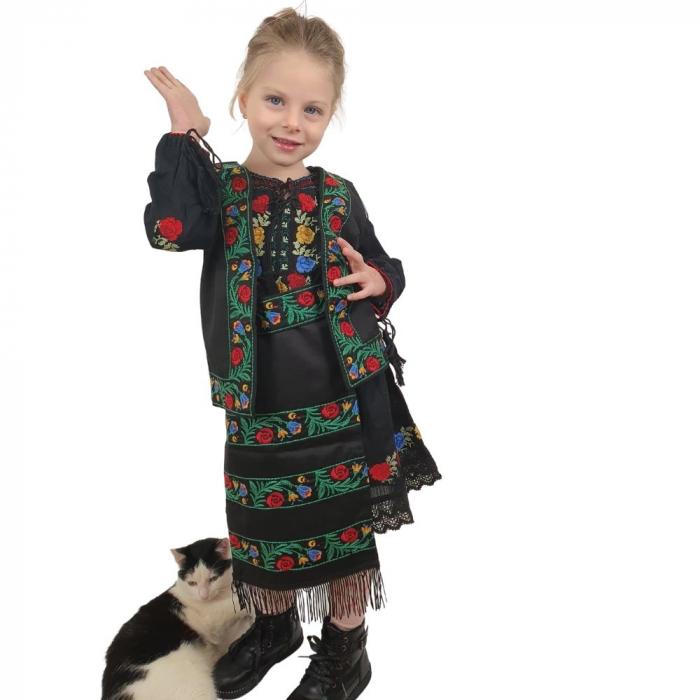 Costum traditional fetite Mira 0