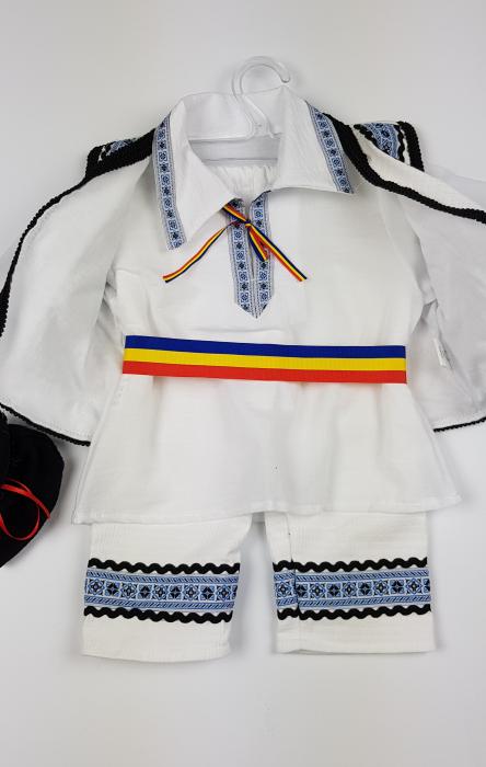 Costum Traditional Baietei 0-12 luni 3