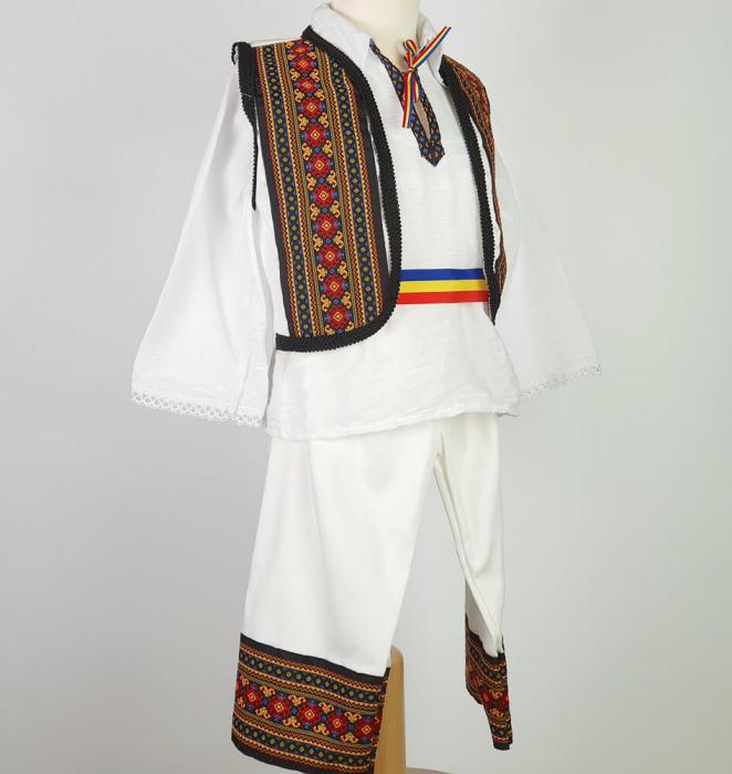 Costum Traditional Baietei Marius 2 [1]
