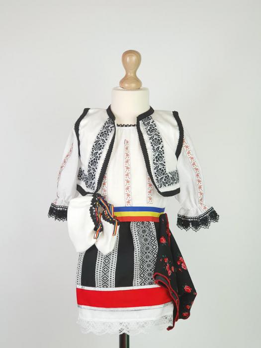 Costum Traditional Fetite Bianca 2 [0]