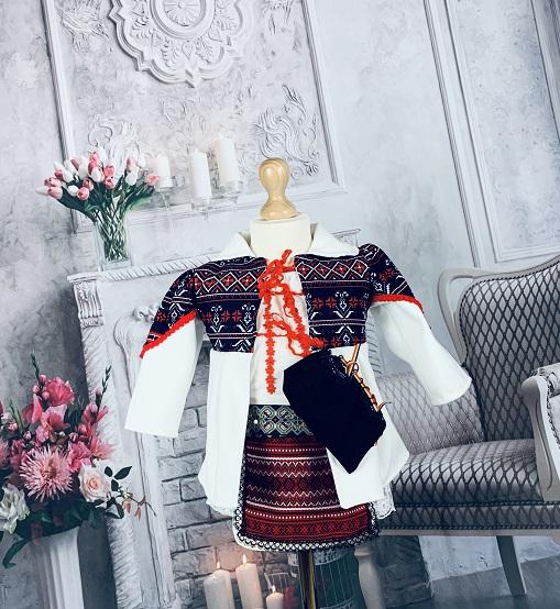 Costum Traditional Fetite Bianca 3 [0]