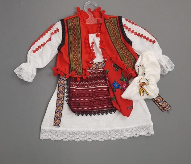 Costum Traditional Botez Fetite Catalina 2 [0]
